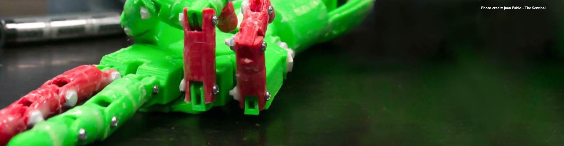 Mechatronics engineering student creates 3-D printed robotic hand